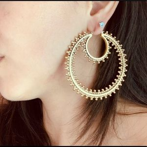 BCBG MaxAzria GIANT DOUBLE LOOP EARRINGS